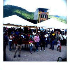 Verkündung der Gewinner auf dem Marktplatz in Palanda.